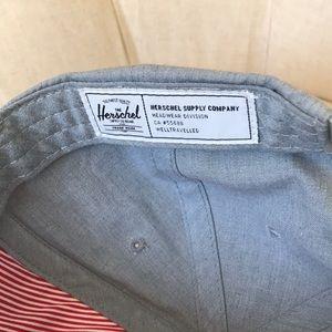 Herschel Supply Company Accessories - Herschel snap back hat